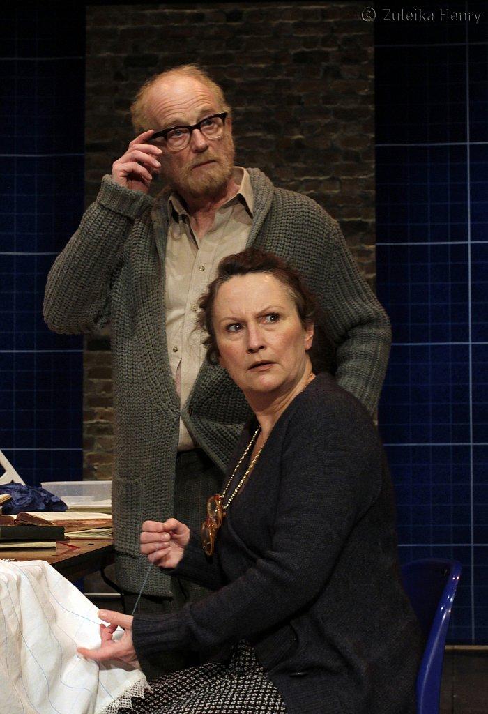 Ian-McDiarmid-as-Galileo-and-Sadie-Shimmin-as-Mrs-Sarti.jpg