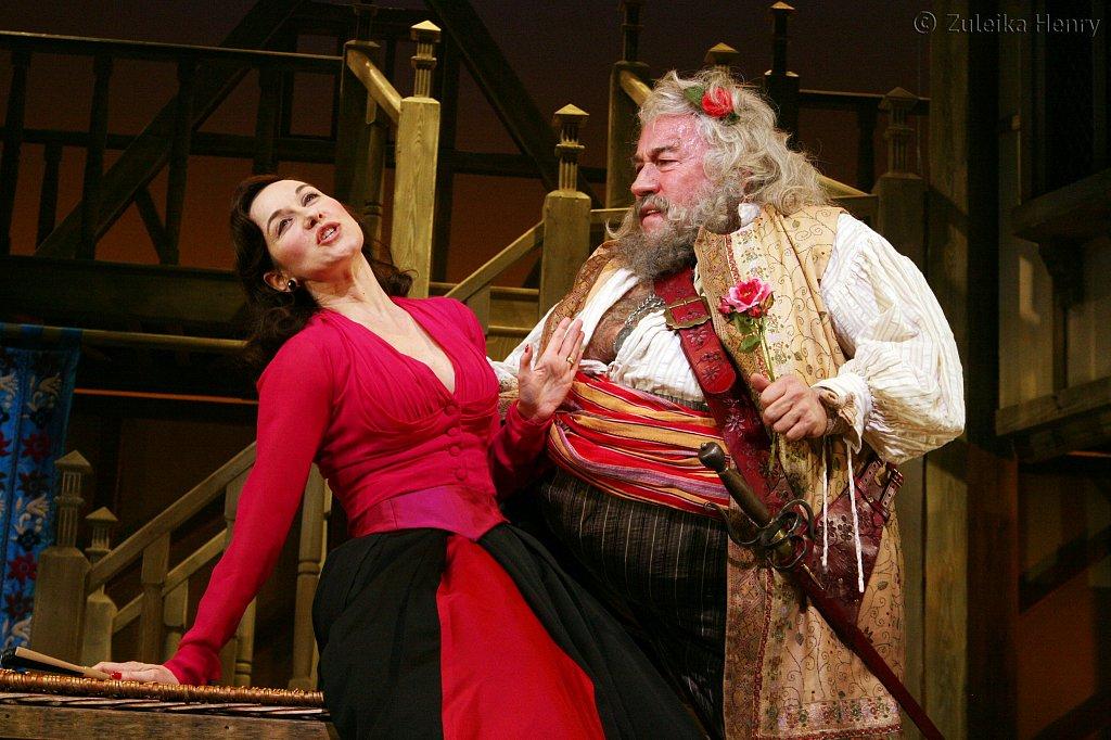 Alexandra Gilbreth as Mistress Ford and Simon Callow as Falstaff
