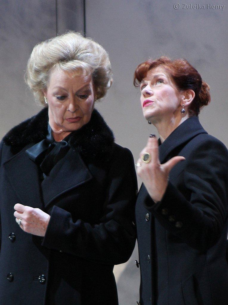 Sandra Duncan Duchess of York and Siobhan Redmond as Elizabeth Woodville