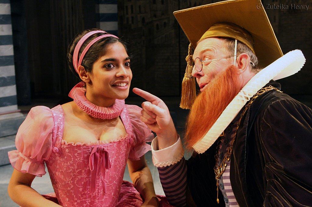 Amara Karan as Bianca and Sean Kernes as  Hortensio