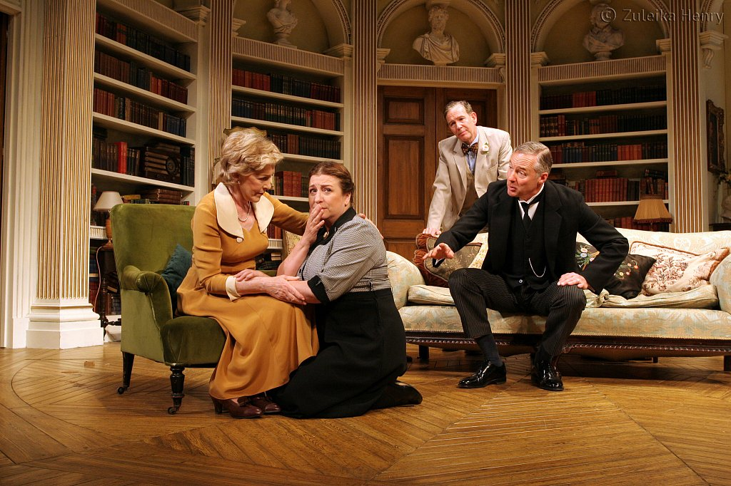 Patricia-Hodge-Caroline-Quentin-Steven-Pacy-and-Rory-Bremner.jpg