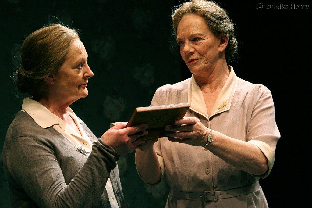 June-Watson-and-Marjorie-Yates-2.jpg