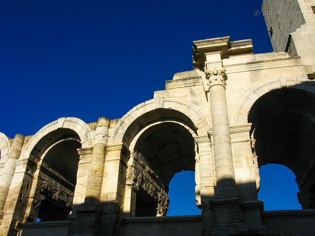 60-Zuleika-Henry-Arles-Provence-France-21.jpg