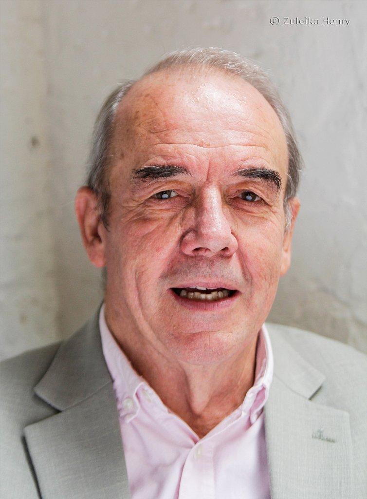 Roland Oliver actor