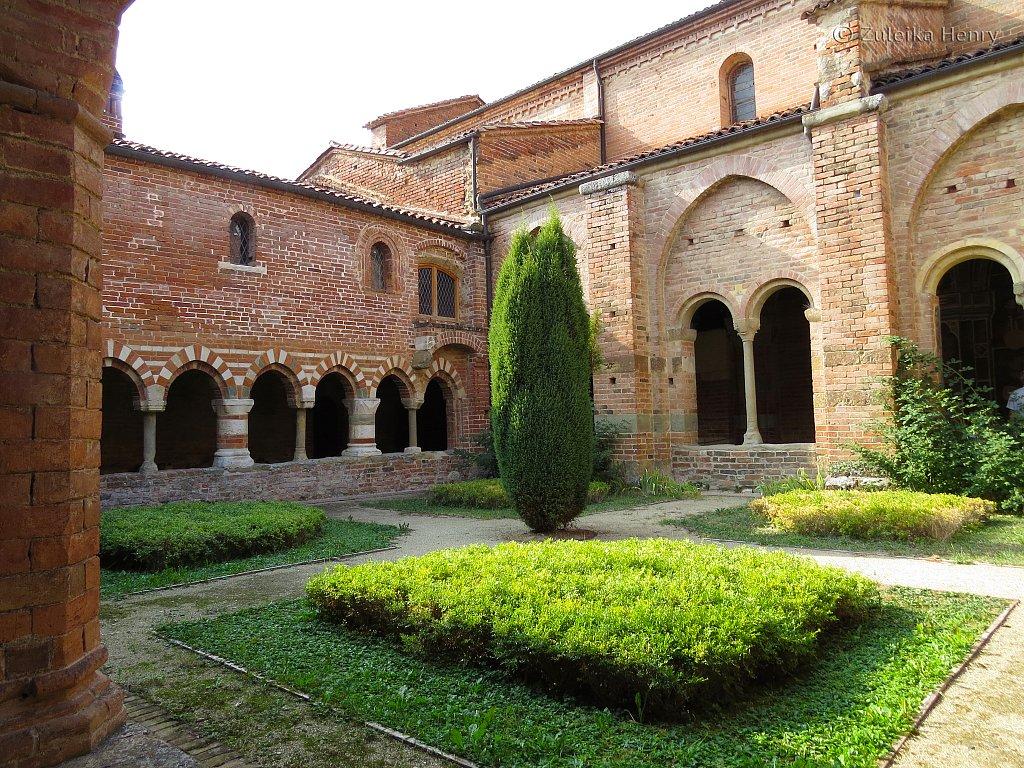 Vezzelano, Piedmont, Italy