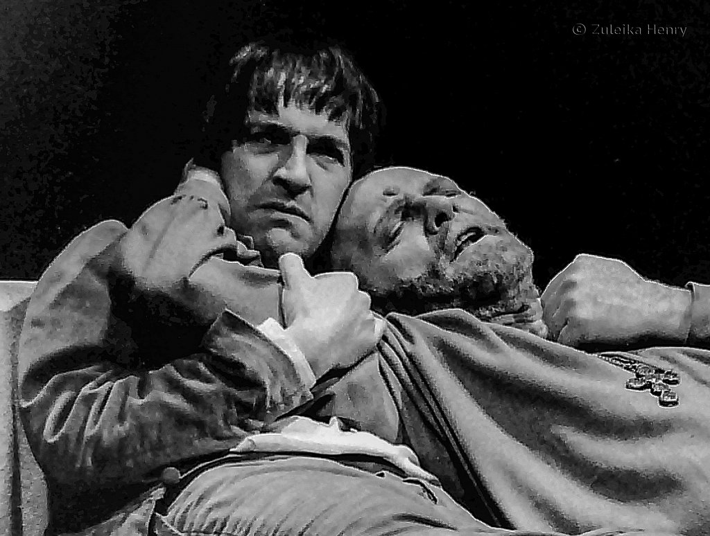 Michael Maloney as Prince Hal and Julian Glover as Henry IV