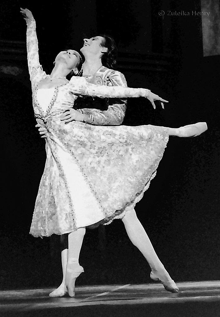 Miyako Yoshida and Michael O'Hare in Romeo and Juliet