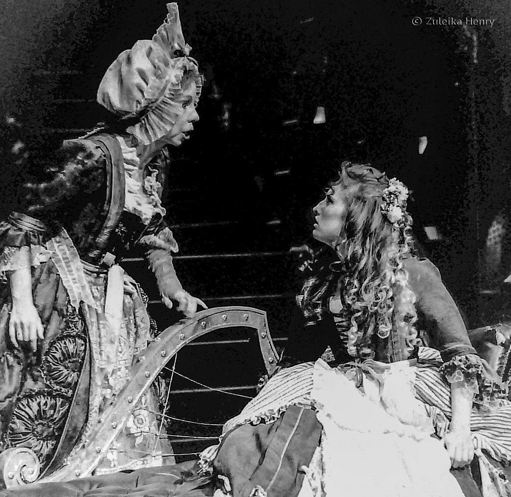 12-Zuleika-Henry-RSC-Beggars-Opera-1992.jpg