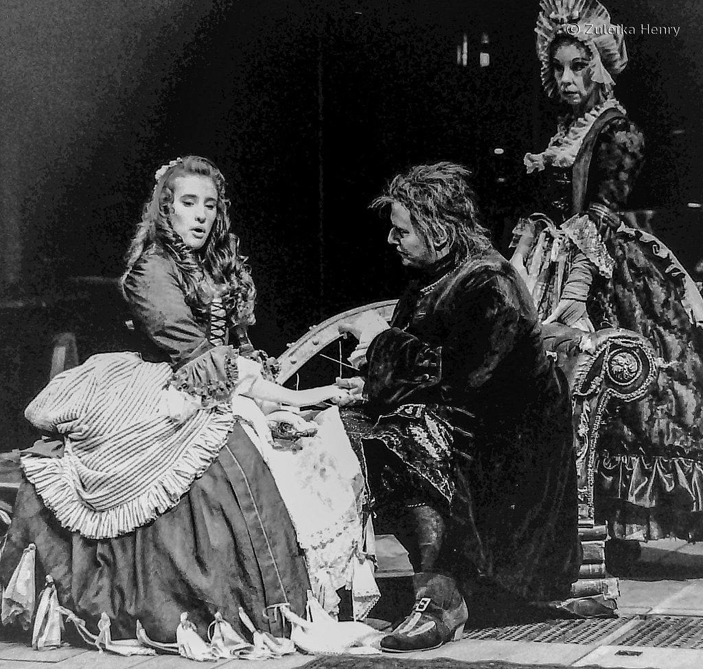 13-Zuleika-Henry-RSC-Beggars-Opera-1992.jpg