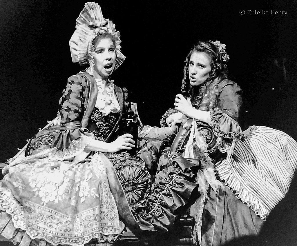 18-Zuleika-Henry-RSC-Beggars-Opera-1992.jpg
