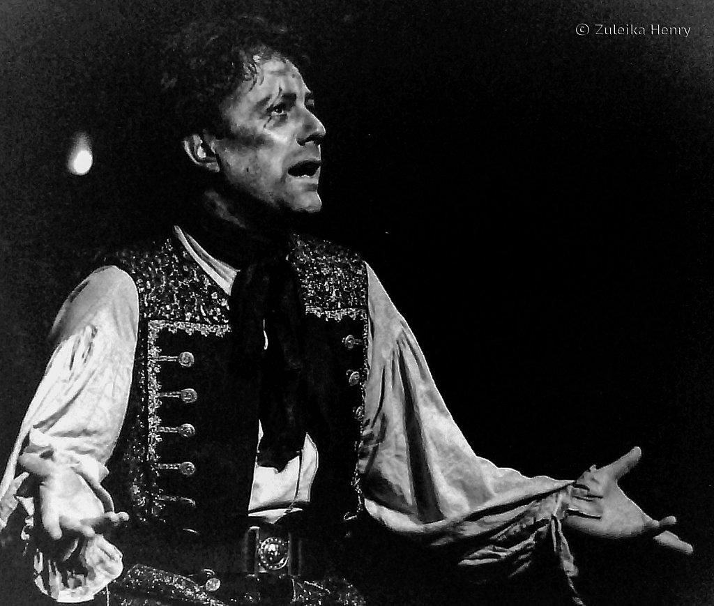 35-Zuleika-Henry-RSC-Beggars-Opera-1992.jpg
