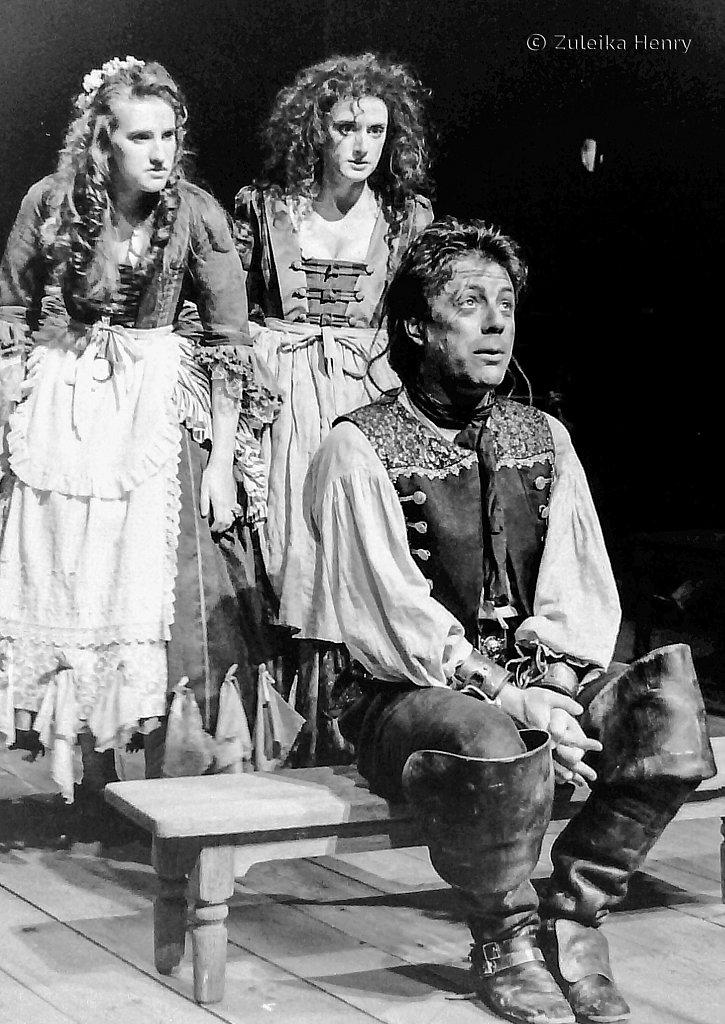 51-Zuleika-Henry-RSC-Beggars-Opera-1992.jpg