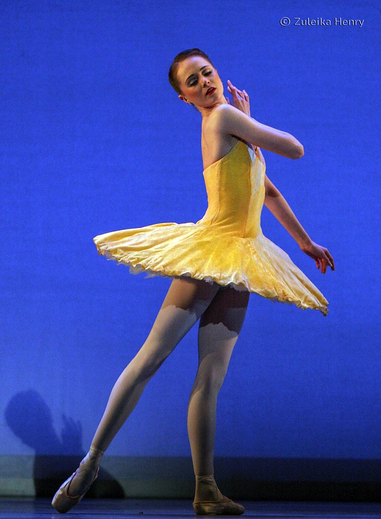 Jenna Roberts in Summer BRB The Seasons 2006