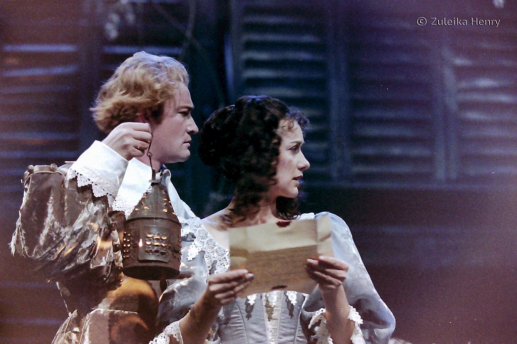 Raymond Coulthard as Chistian de Neuviette and Alexandra Gilbreath as Roxane