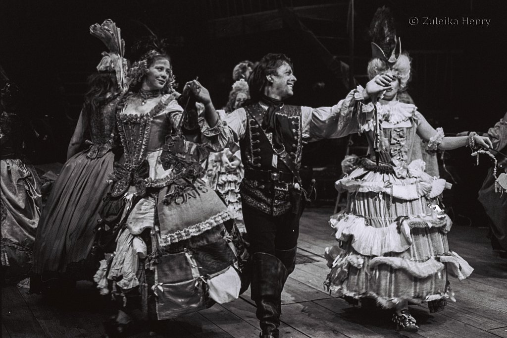 Zuleika-Henry-Beggars-Opera-RSC-1992-5.jpg