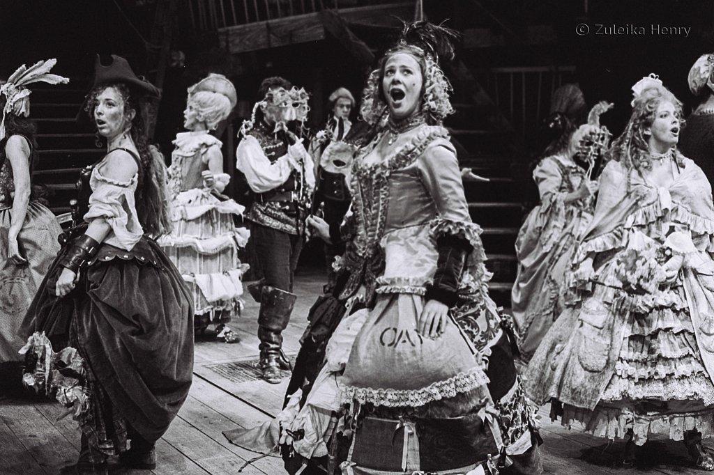 Zuleika-Henry-Beggars-Opera-RSC-1992-6.jpg
