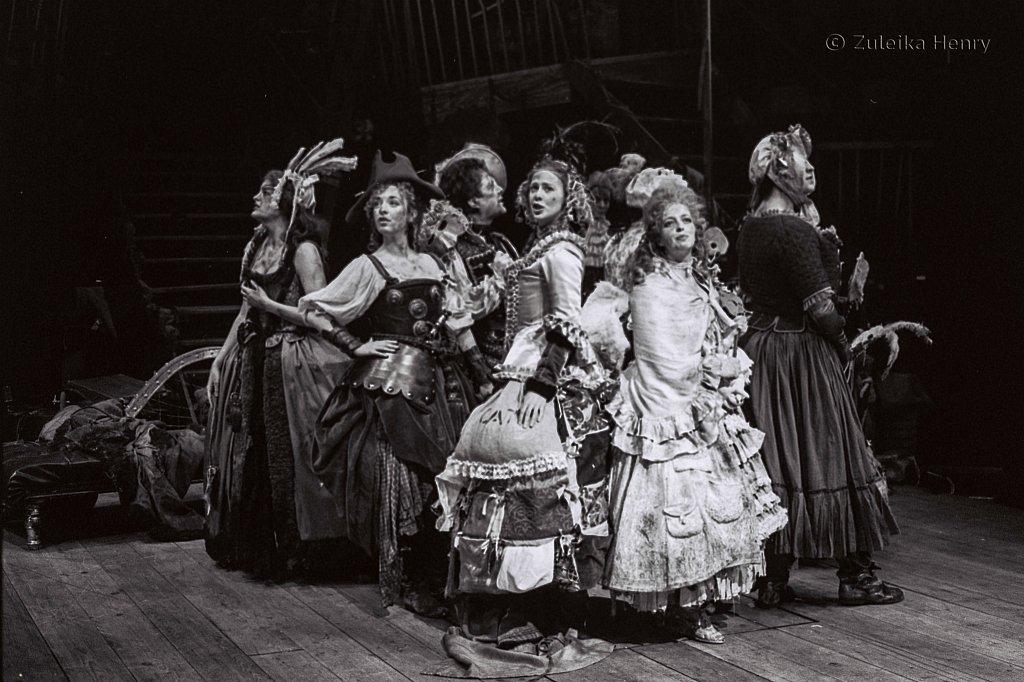 Zuleika-Henry-Beggars-Opera-RSC-1992-7.jpg