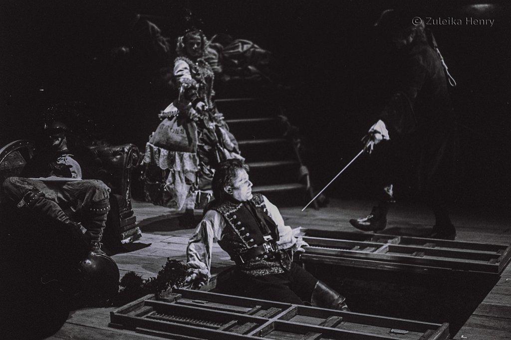 Zuleika-Henry-Beggars-Opera-RSC-1992-9.jpg