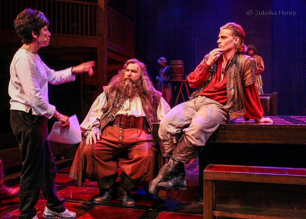 Barbara Gaines directing Greg Vinkler as Falstaff and Jeffrey Carlson as Prince Hal
