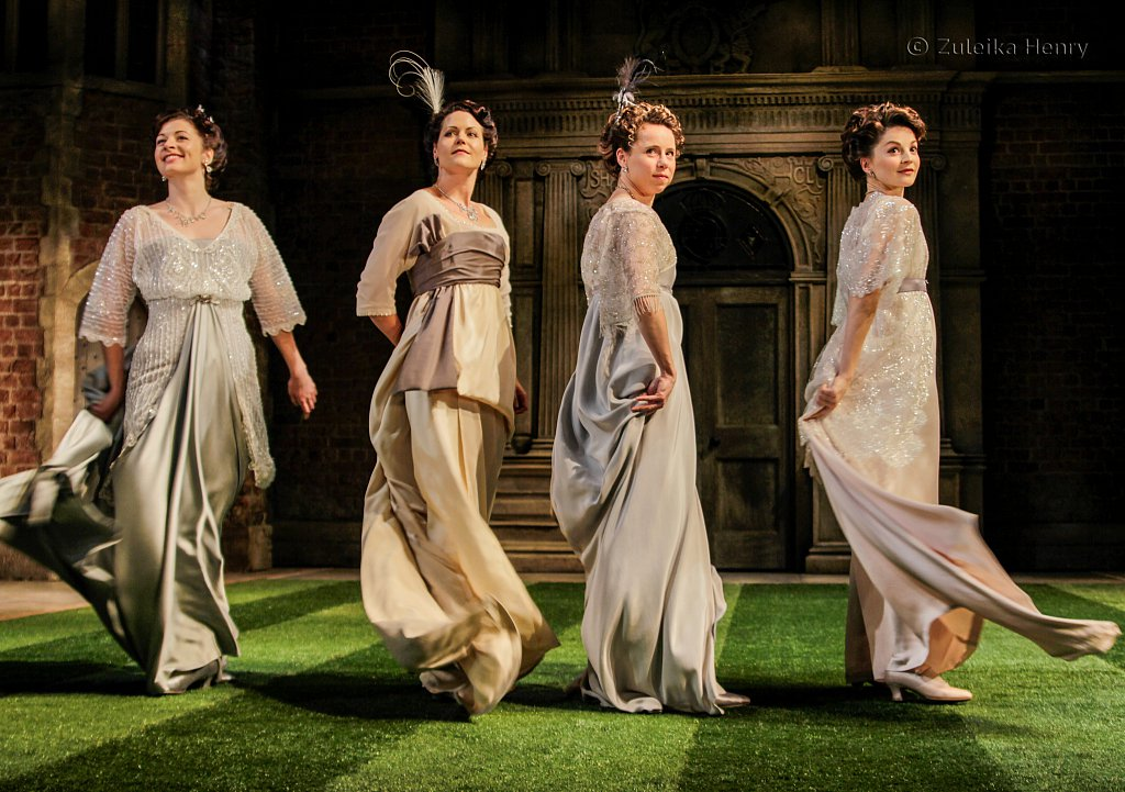 Francis MacNamee asMaria, Leah Whitaker as Princess of France, Michelle Terry as Rosaline and Flora Spencer-Longhurst as Katherine