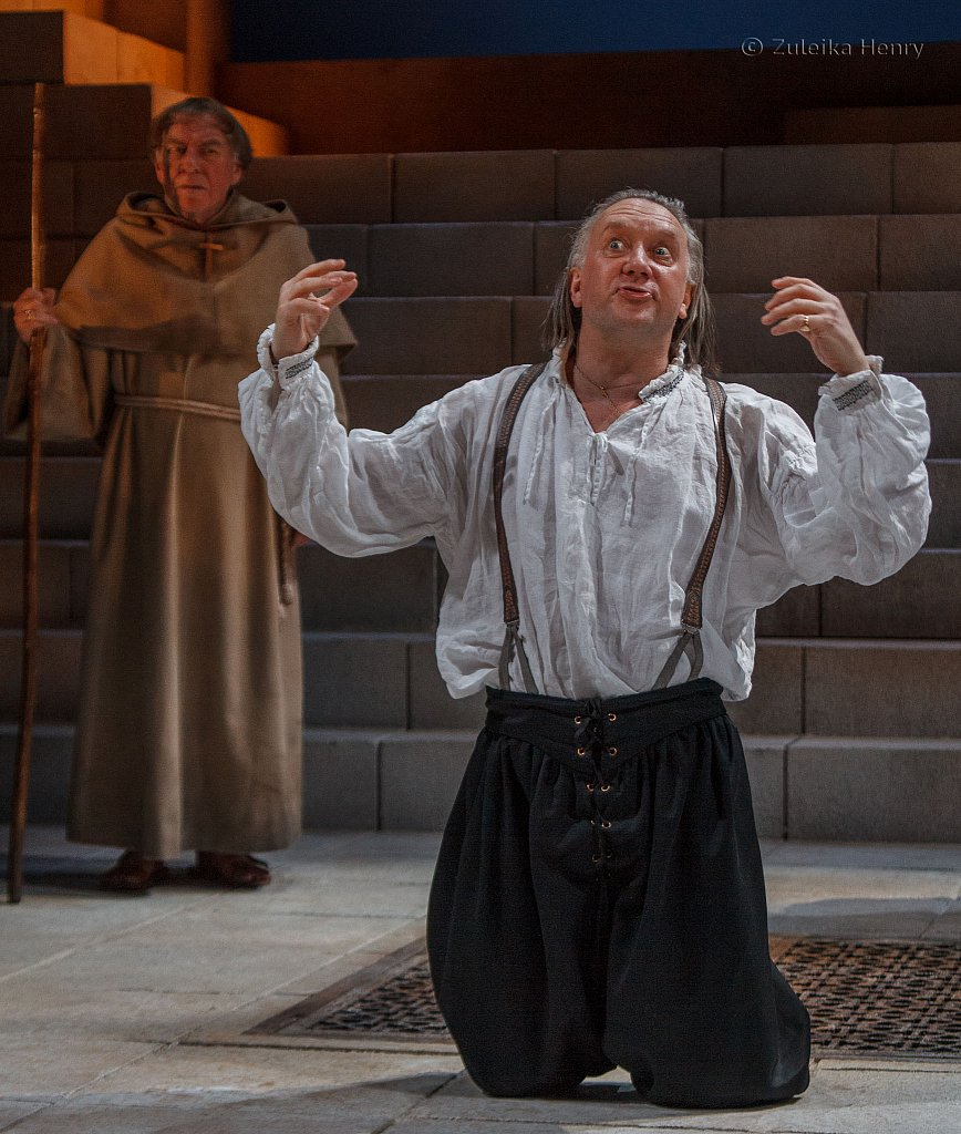 Jasper Britton as Barabas , Geoffrey Freashwater as Friar Barnadine and Matthew Kelly as Friar Jacomo