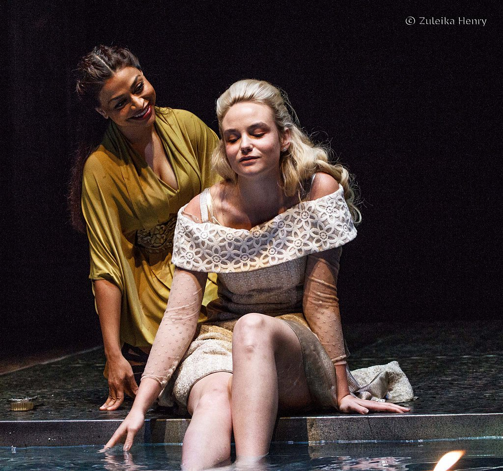 80-Zuleika-Henry-RSC-Othello-2015.jpg
