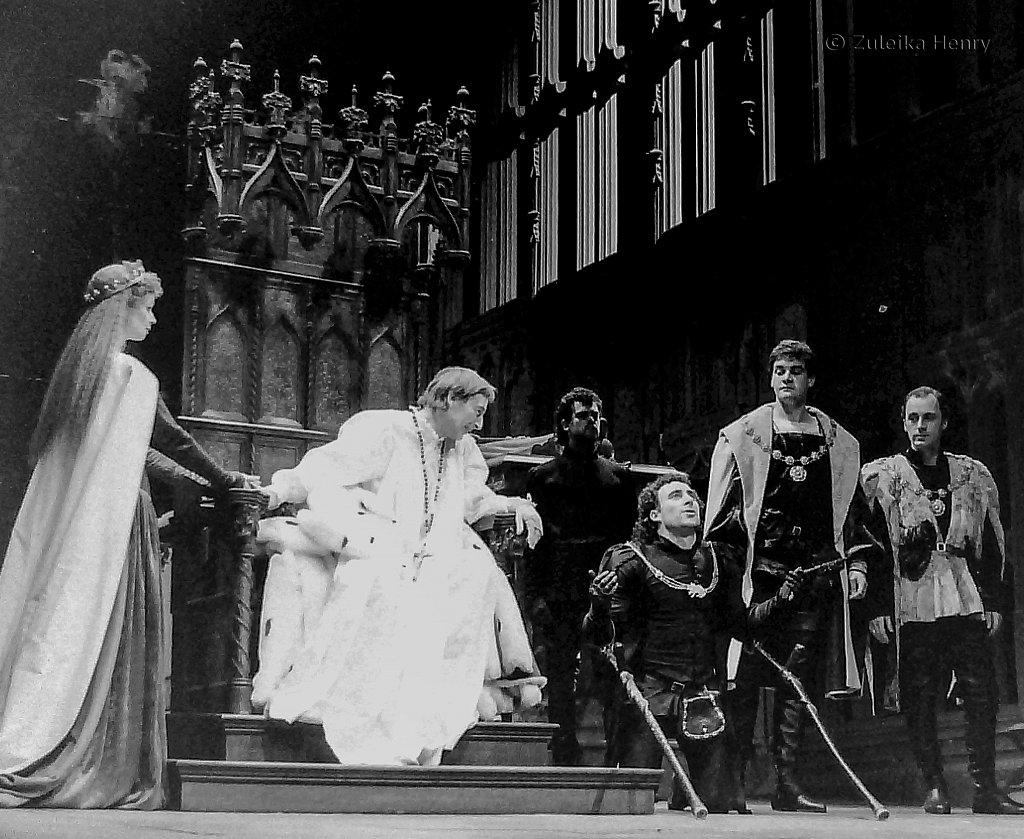 John Carlisle as Edward IV and Antony Sher as Richard III