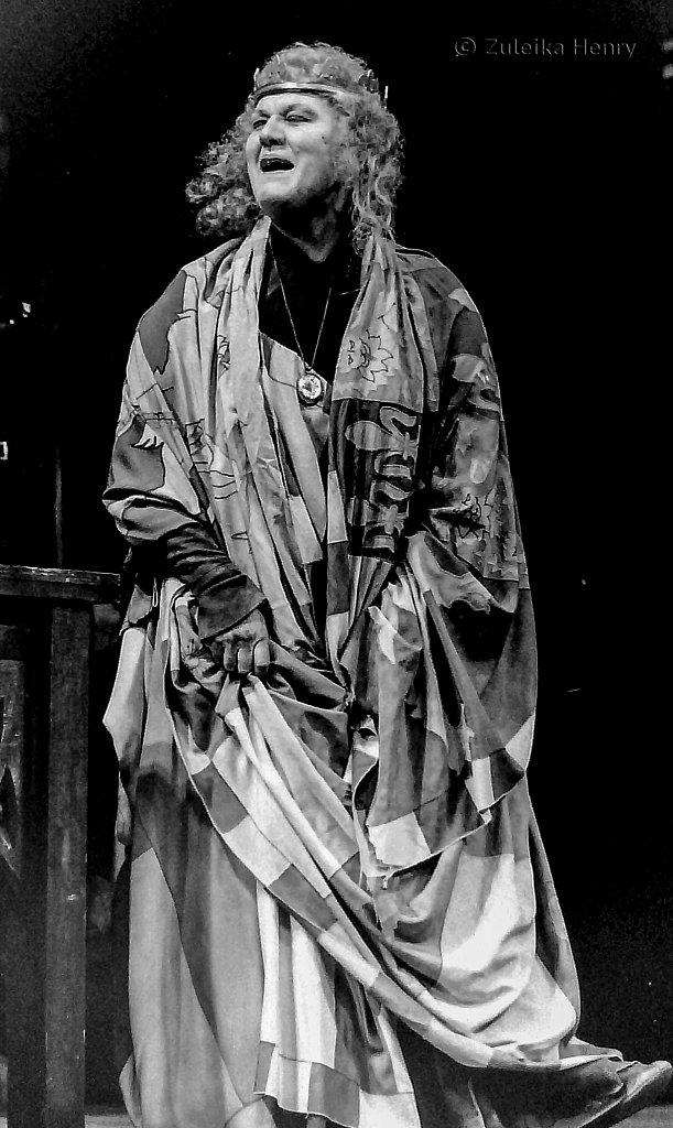 Patricia Routeledge asQueen Margaret