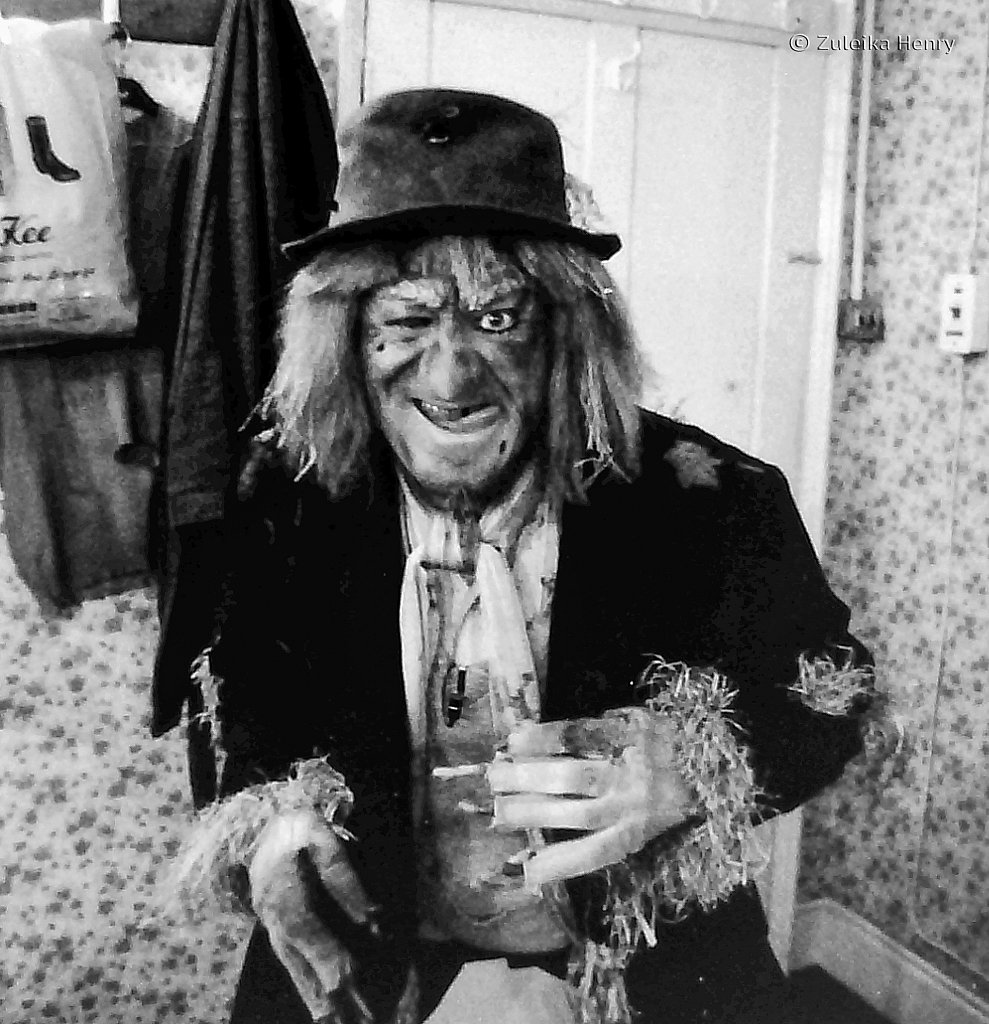 Jon Pertwee backstage at Wimbledon Theatre 1981