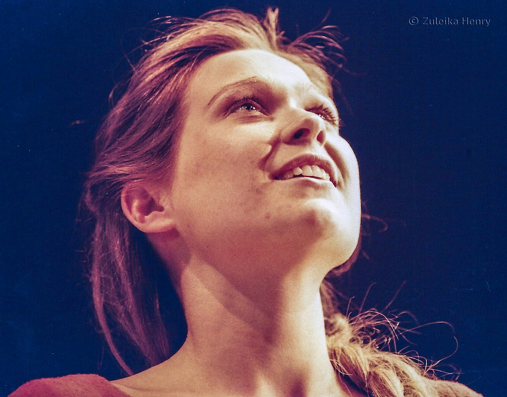 Sian Brooke as Juliet