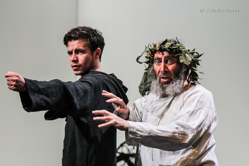 Antony Sher as Lear and Oliver Johnstone as Edgar