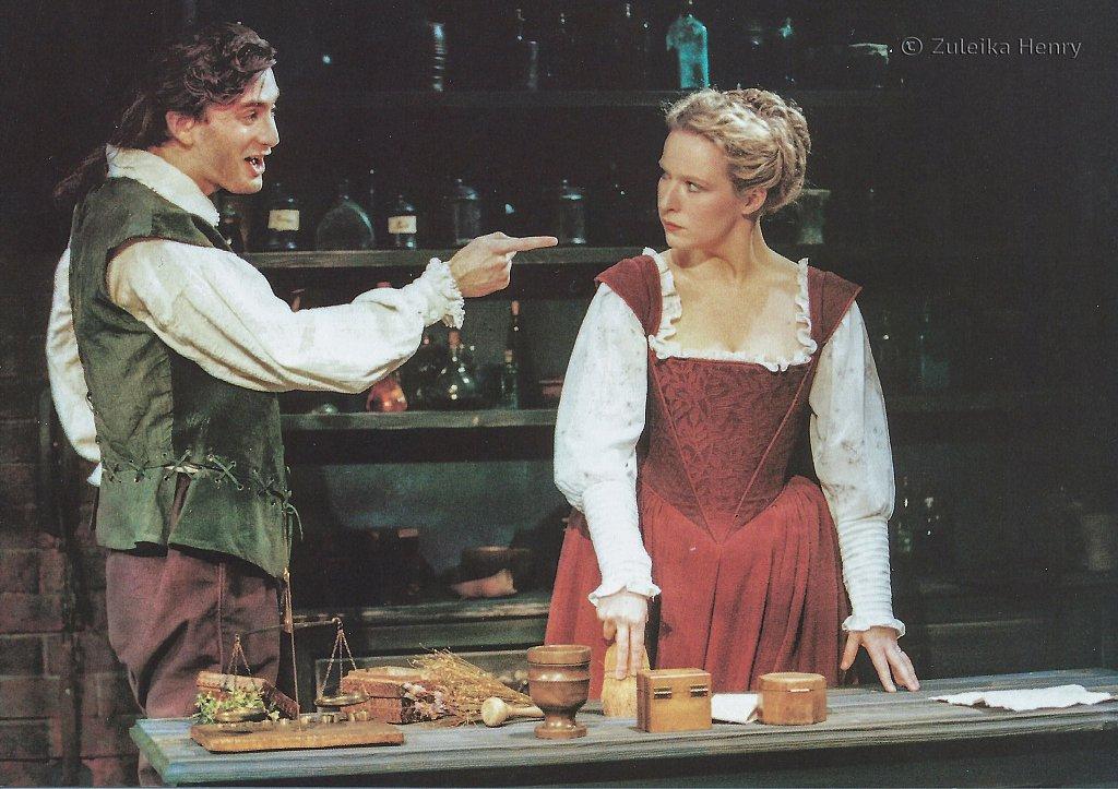 David Tennant and Teresa Banham in The Herbal Bed 1996