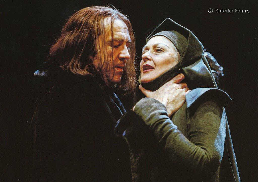 Robert Lindsay as Richard and Anna Carteret as Margaret 'Richard III' 1998