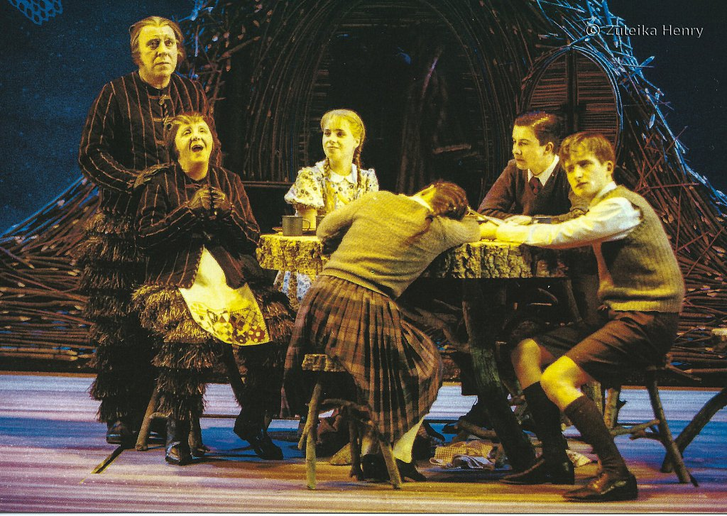 Geoffrey Freshwater as Mr. Beaver and Myra McFadyen as Mrs Beaver Rebecca Clarke as Lucy Emily Pithon as Susan Steve Atholl as Peter William Mannering as Edmund  'The Lion, The Witch and The Wardrobe' 1998