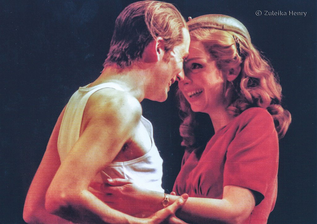 David Tennant as Antipholus of Syracuse and Jaqueline Defferary as Luciana 'The Comedy of Errors' 1999