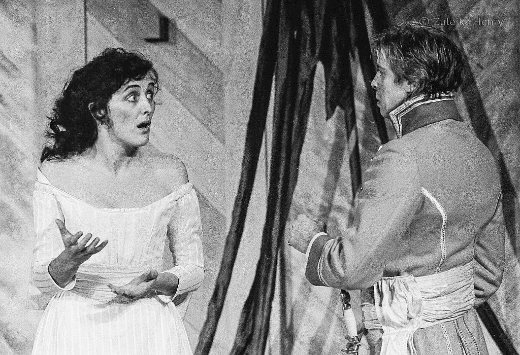 Fiona Shaw as Beatrice Nigel Terry as Benedick