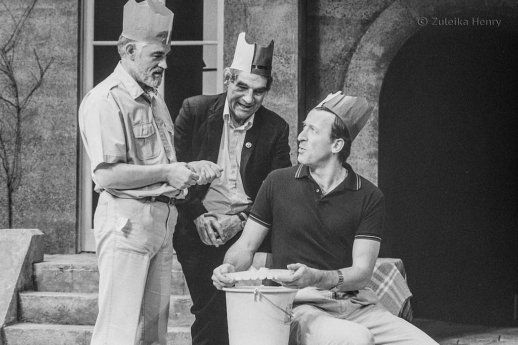 Bernard Lloyd as Dennis Mulley, Treavor Peacock as Andy Anderson and Bob Peck as Kenneth Lowrie