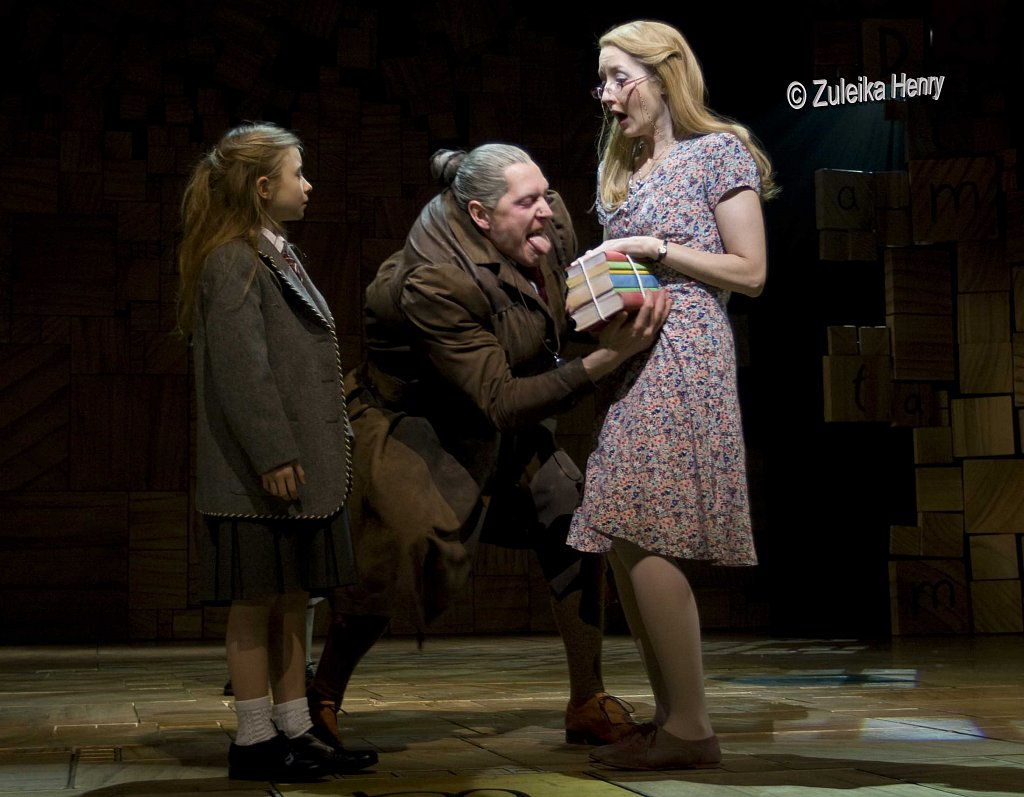 Kerry-Ingram-Bertie-Carvel-and-Lauren-Ward.jpg