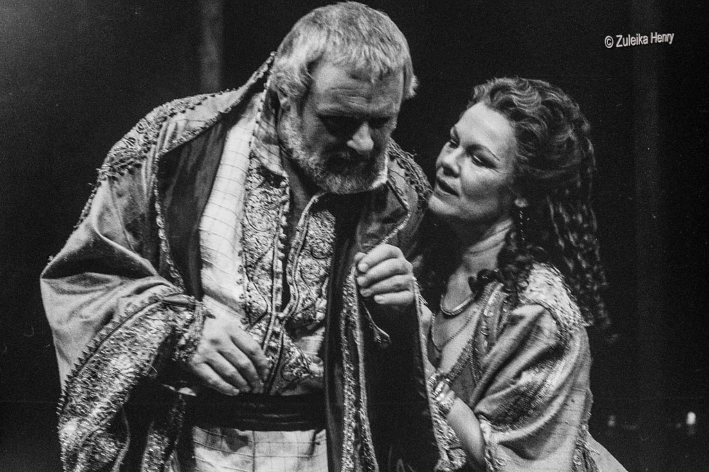 08-Zuleika-Henry-NT-Judi-Dench-and-Antony-Hopkins-Antony-and-Cleopatra-1987.jpg