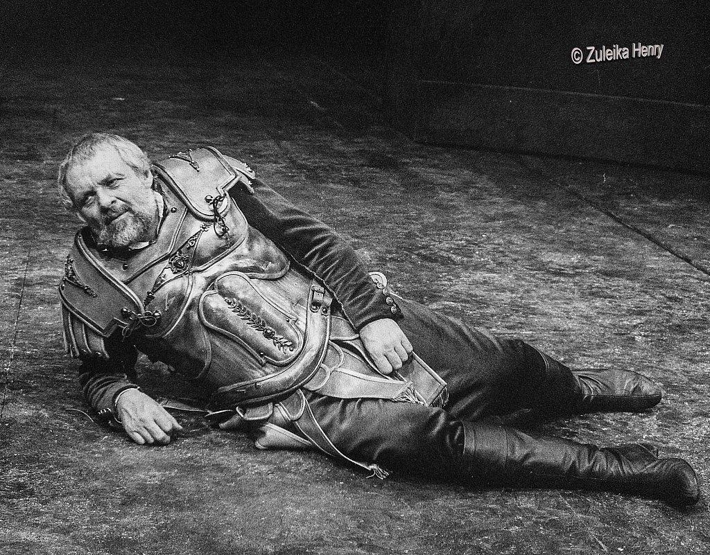 04-Zuleika-Henry-NT-Judi-Dench-and-Antony-Hopkins-Antony-and-Cleopatra-1987.jpg