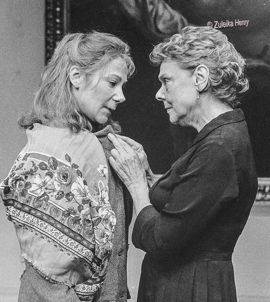 08-Zuleika-Henry-NT-Zoe-Wanamaker-in-2-plays-by-David-Hare-1986.jpg