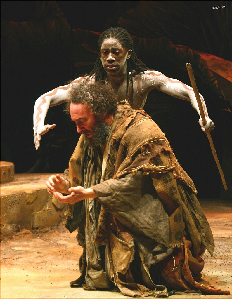 Atandwa-Kani-as-Ariel-and-Antony-Sher-as-Prospero-2.jpg