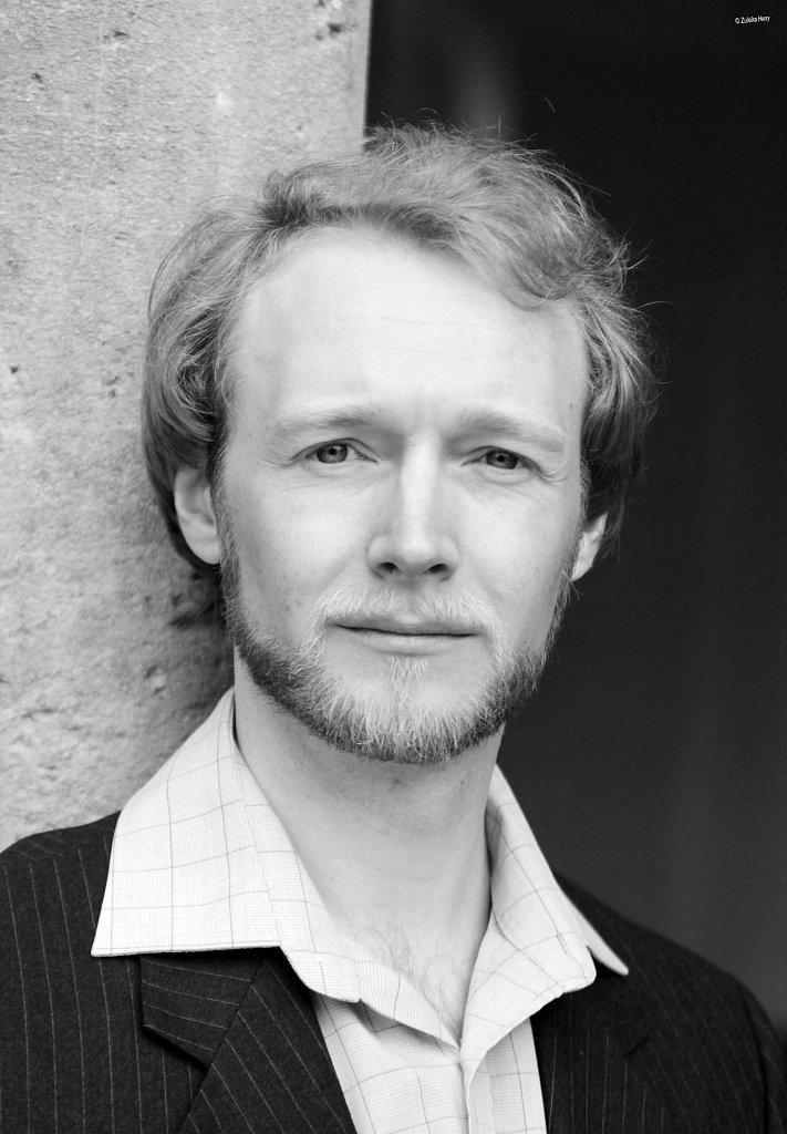 Gerard-Cooke-actor-2013-5.jpg