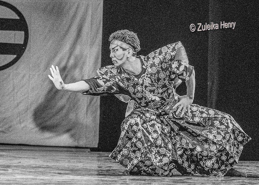 08-Zuleika-Henry-Tokyo-Ballet-at-Royal-Opera-House-1986.jpg
