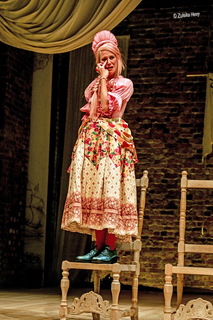 184-Zuleika-Henry-RSC-Love-for-Love-2015-copy.jpg