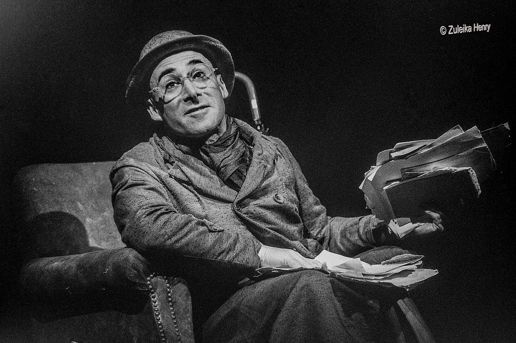 Antony Sher as Henry Carr