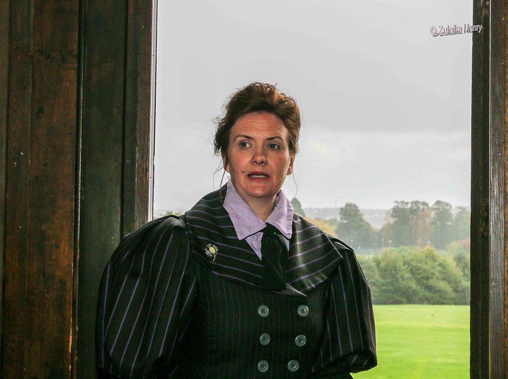 Rachael Fagan as Esme Smyth